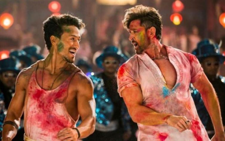 Hrithik Roshan, Tiger Shroff's action movie War touches Rs. 300 mark