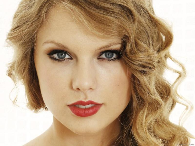Taylor Swift unveils ninth studio album 'Evermore'