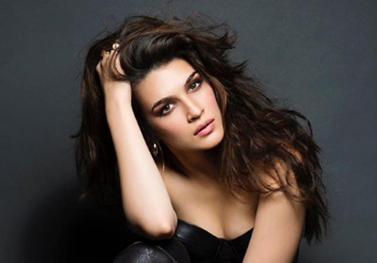 Lady in Black: Kriti Sanon looks stunning in latest Instagram photos