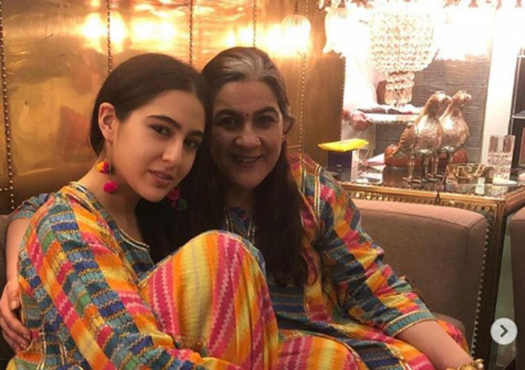 Sara Ali Khan enjoys day out with mummy Amrita