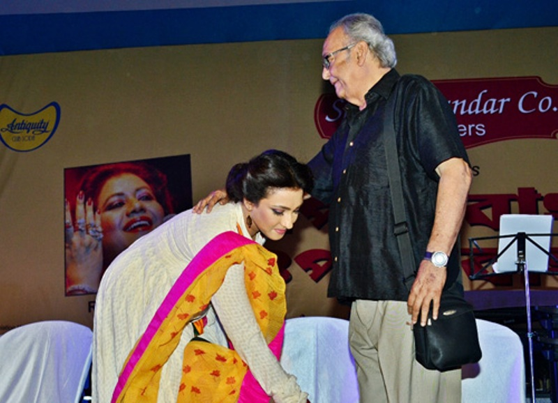 Soumitra Chatterjee is the most sensitiveand handsome man I have worked within Tollywood industry: Rituparna Sengupta