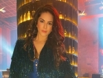 Bollywood glamour back in Sunny Leone's life, shares image