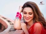 Mimi Chakraborty's video song 'Tomar Khola Hawa' out now