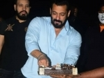 Salman Khan celebrates 55th birthday at his Panvel farmhouse