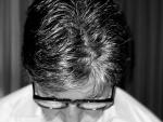 Amitabh Bachchan tweets image bowing his head after Amar Singh's death