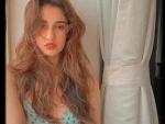 Disha Patani looks stunning in her Instagram sun-kissed posts