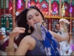 Kiara Advani sizzles in Hasina Pagal Deewani track from Indoo Ki Jawani