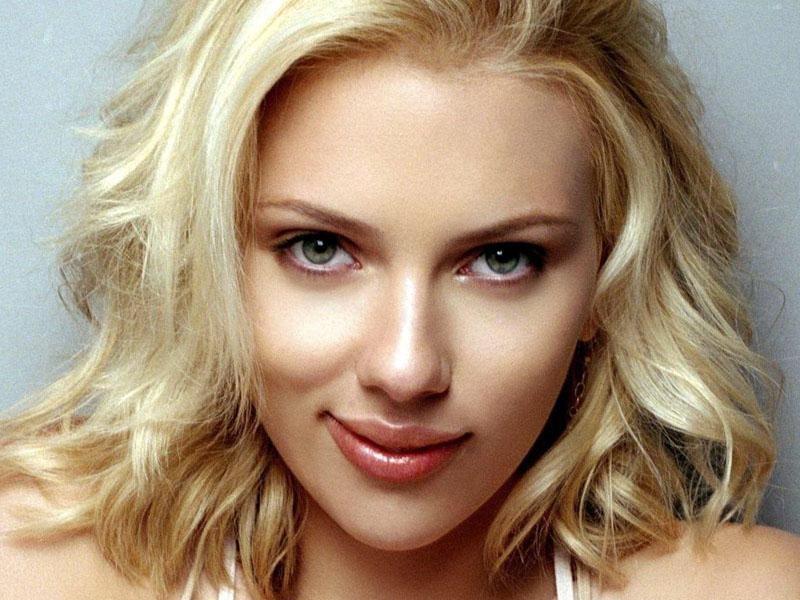 Hollywood actress Scarlett Johansson, Colin Jost tie nuptial knot