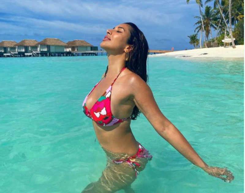Sophie Choudry's Maldives vacation will leave you awed