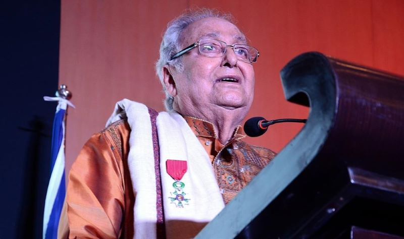 Bengali acting legend Soumitra Chattopadhyay no more on oxygen support but still in ITU