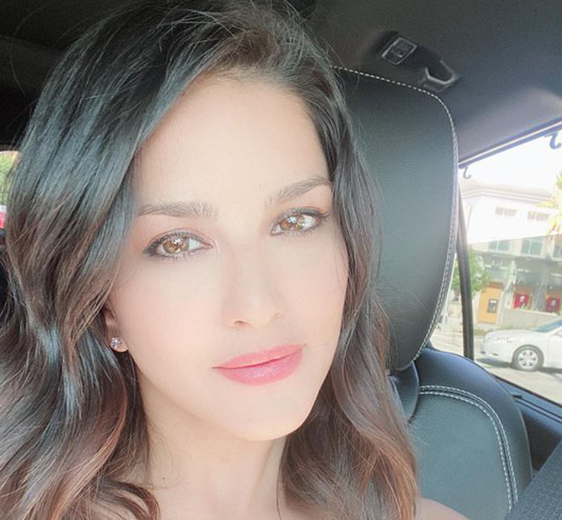 Sunny Leone spends another day in COVID paradise