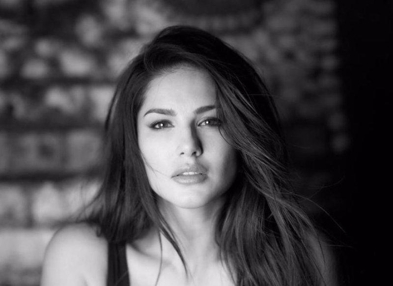 Sunny Leone looks stunning in her latest black and white Instagram pic