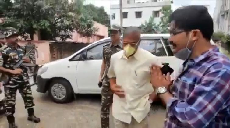 Patna: Nana Patekar visits Sushant Singh Rajput's residence