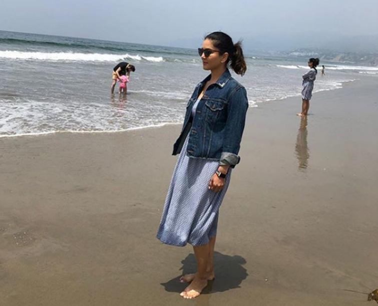 Sunny Leone enjoys moments on seabeach, posts image on Instagram