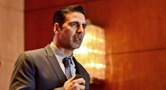 Akshay Kumar donates Rs. 25 crore to 'PM Cares Fund' to combat COVID-19