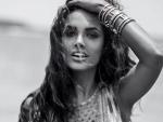 Esha Gupta looks gorgeous in balck and white Instagram image