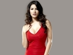 Sunny Leone sizzles with her latest dance number Pardesi