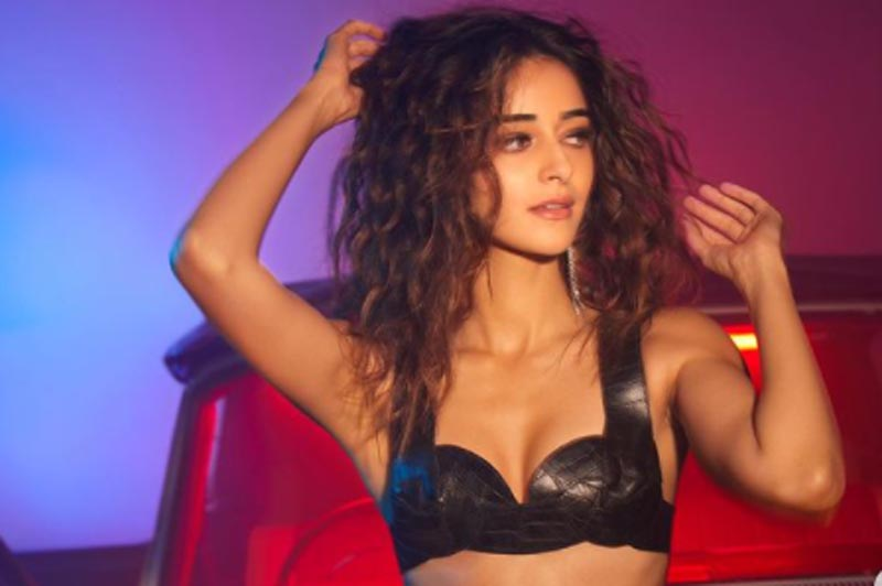 Ananya Panday's latest sizzling images leaves internet on fire, check out