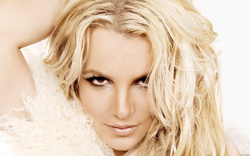Pop icon Britney Spears says she will not perform while her father continues to control her career