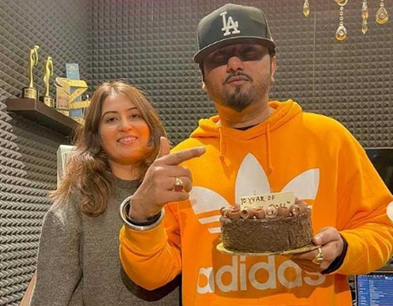 Domestic violence case filed against Yo Yo Honey Singh by wife, court sends notice to rapper