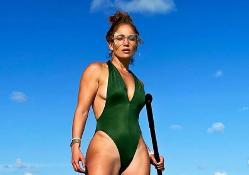 Lady in Green: Jennifer Lopez looks stunning in her new Instagram image
