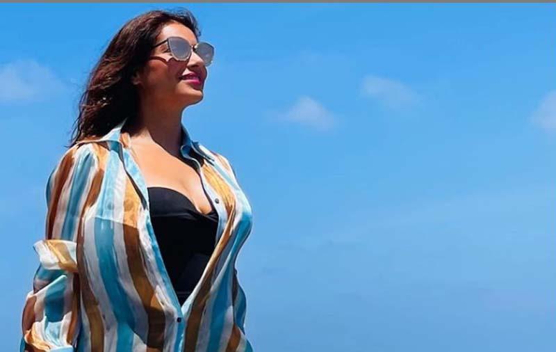 Bipasha Basu chills in Maldives
