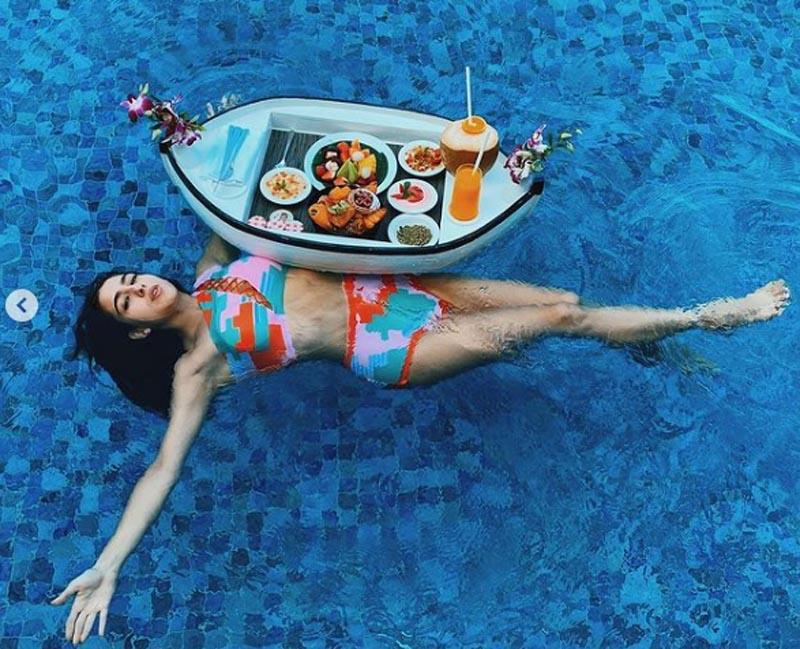 Maldives diary: Sara Ali Khan looks fabulous in her vibrant Instagram images