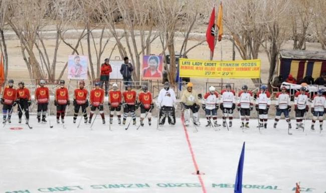 Army organizes ice hockey in Ladakh