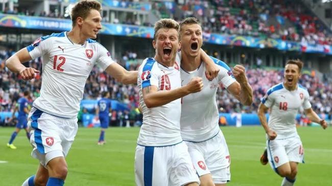 Necid shows nerve to rescue Czech Republic