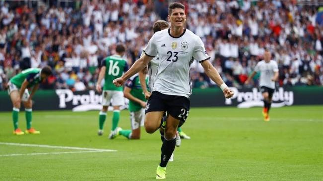 Gomez guarantees top spot for Germany