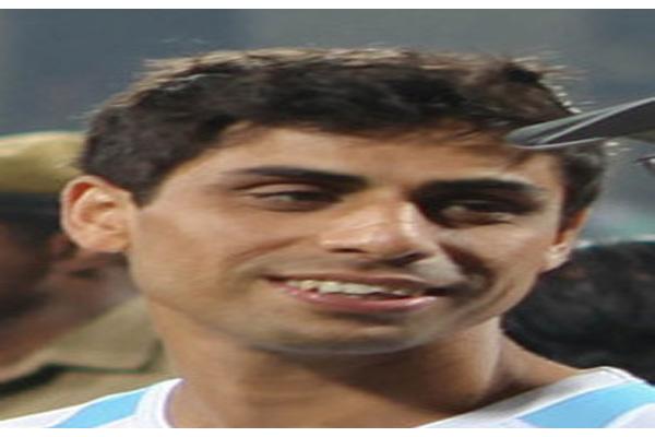 Ashish Nehra to undergo knee surgery