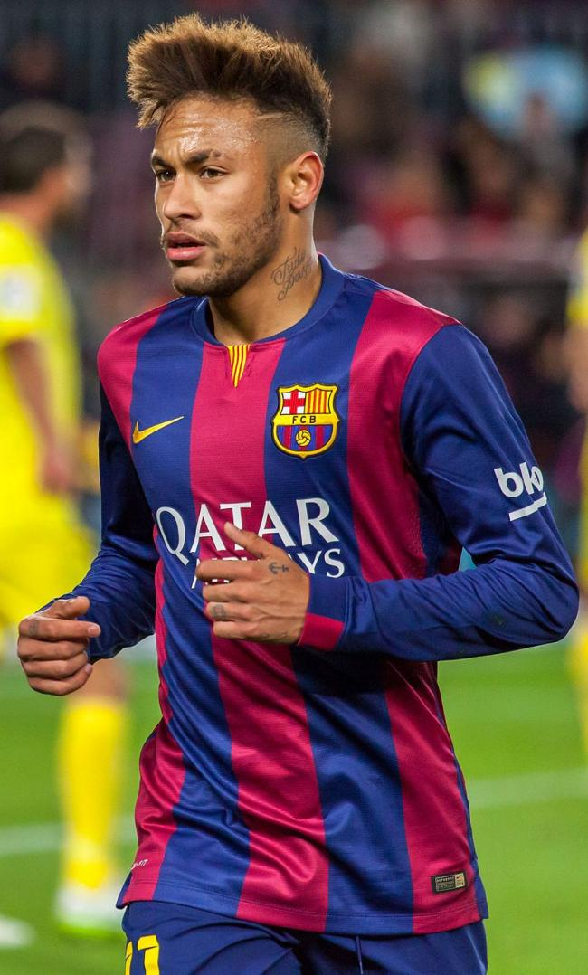 Neymar Jr extends contract with FC Barcelona till 2021