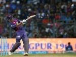 IPL: Cricket world appreciates Dhoni for his charismatic innings against MI