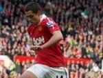 West Ham signs Mexican striker Javier Hernandez