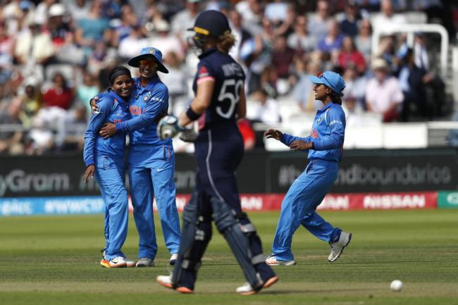 Indian celebrities wish women cricketers before World Cup final