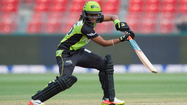 Sydney Thunder extends Harmanpreet Kaur' s contract