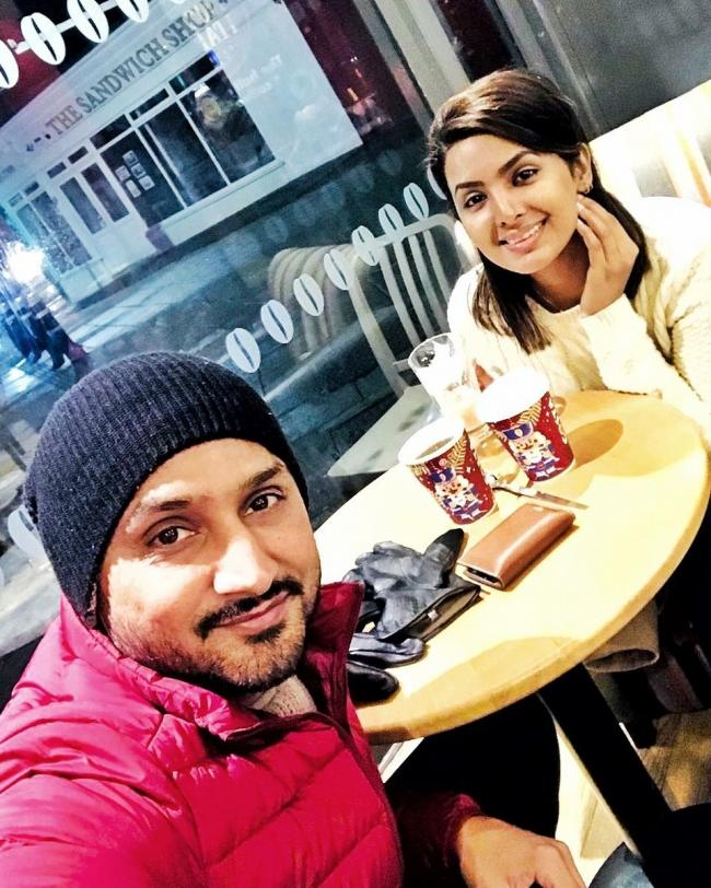 Harbhajan Singh goes for a 'coffee' date with wife Geeta