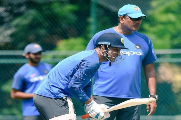Ravi Shastri Suggests Dhoni's Protestors To 'Look Back At Their Career'