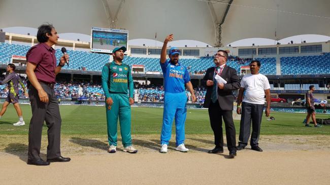 Rohit Sharma completes 7000 runs in ODI