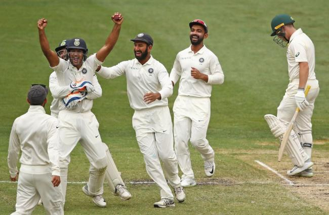 India on brink of victory, Pat Cummins remains Australia's bright spot