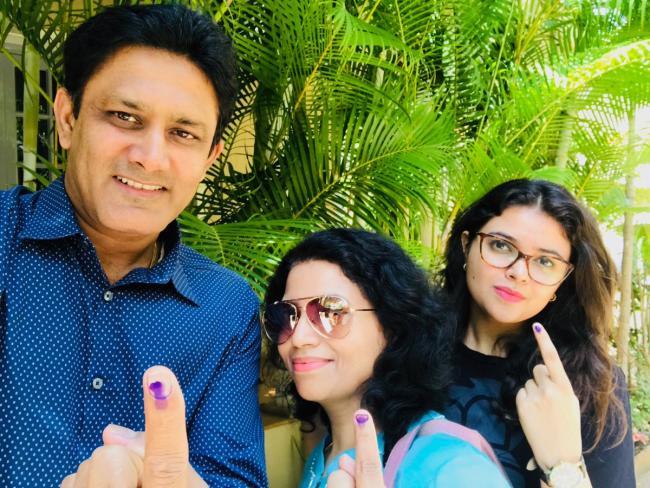 Karnataka Polls: Former Indian skipper Anil Kumble casts his vote