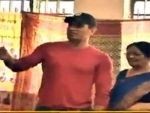 India's cricket icon Mahendra Singh Dhoni, wife Sakshi cast their votes