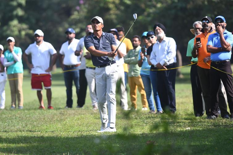 Ajeetesh Sandhu delights home crowd with spectacular comeback, pips Rashid Khan in a photo-finish amid high drama