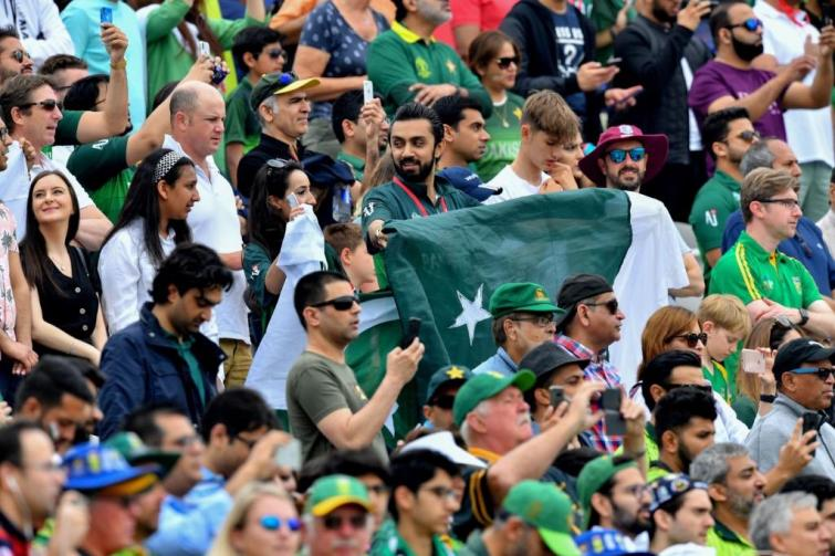 After win against South Africa, many Pakistani fans now apologise for crticising Sarfaraz Ahmed and his men