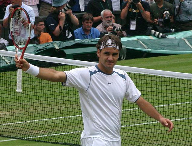 Federer makes winning return, Kerber stunned in French Open opening day