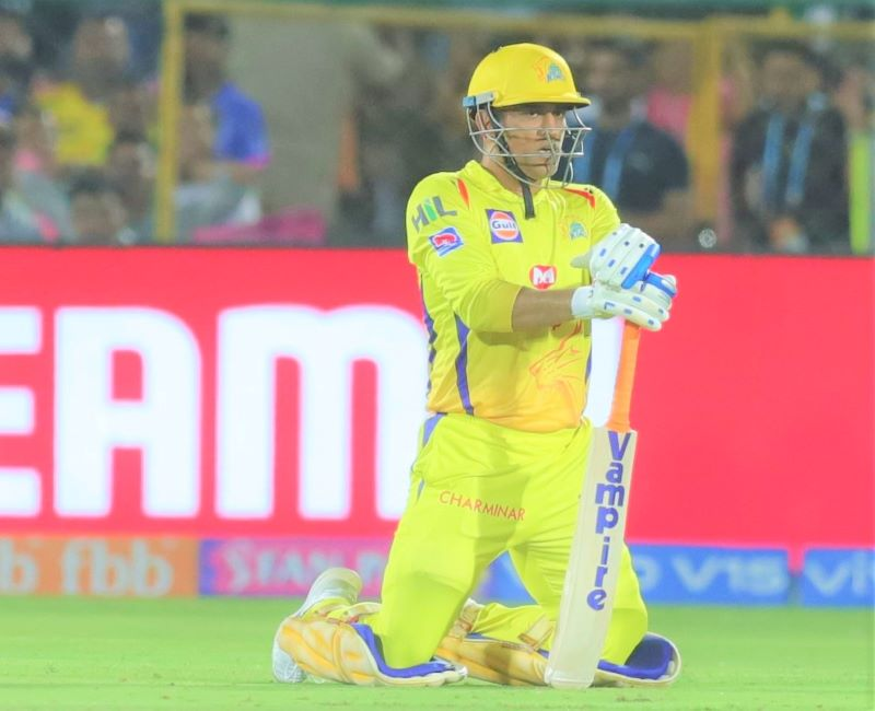 MS Dhoni faces flak from Gautam Gambhir, Kevin Pietersen for batting at number 7 in IPL