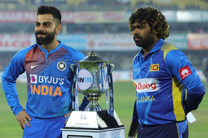 India opt to field first against Sri Lanka, rain delays start