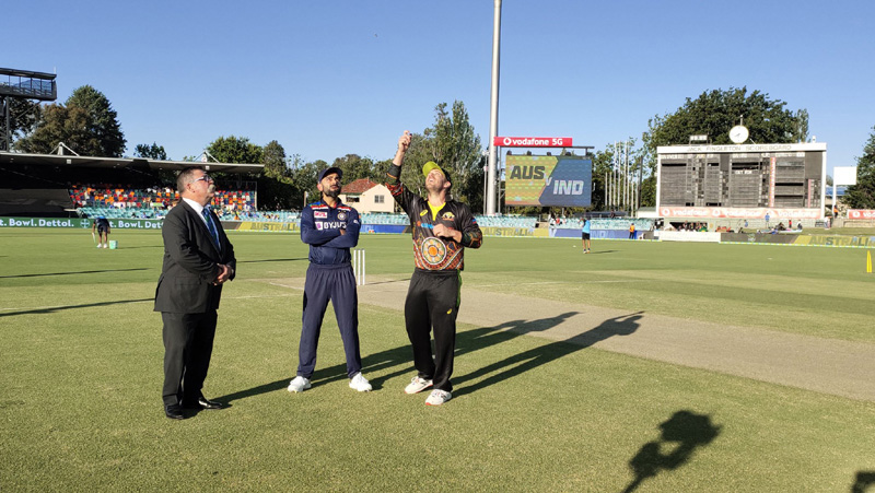 First T20: Australia win toss, elect to bowl first against India
