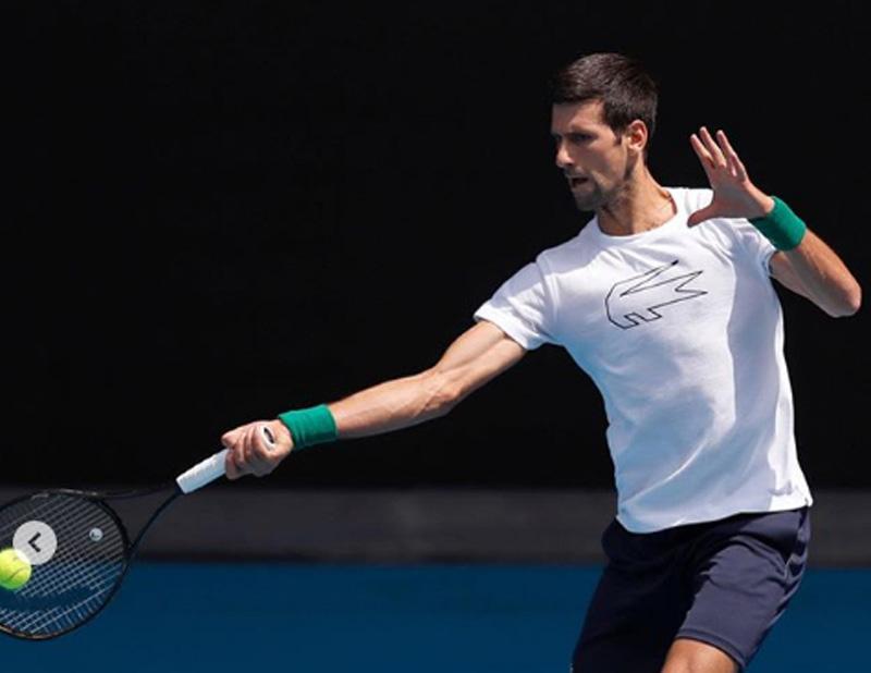 Top seeds Djokovic, Halep reach Italian Open finals