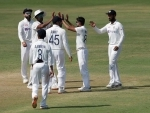India finish fourth day's play at 39/1